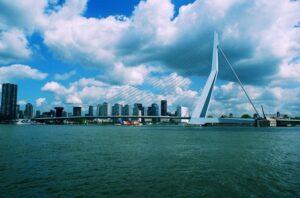 Rotterdam-water-tips-puur-erasmusbrug